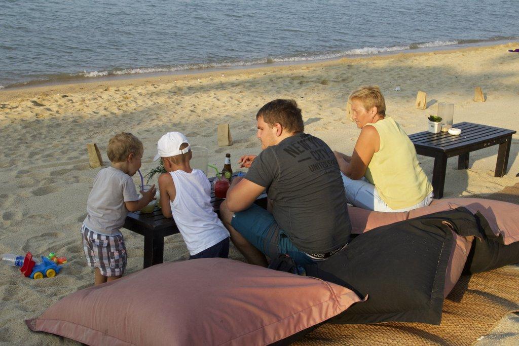 Coconut bar: наше семейство