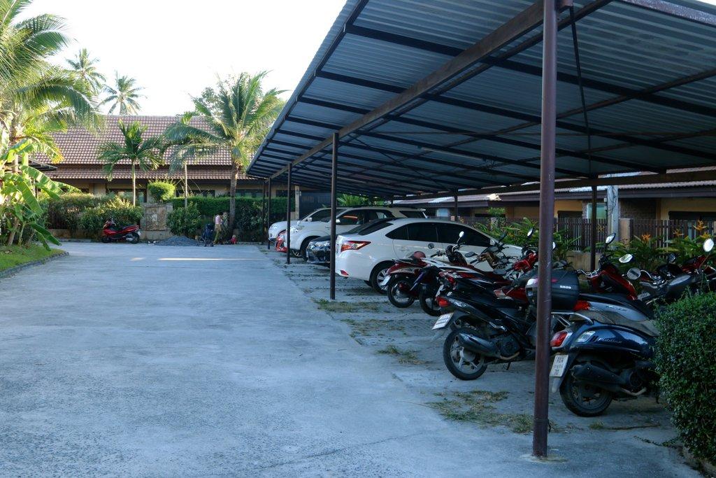 Еще одна парковка