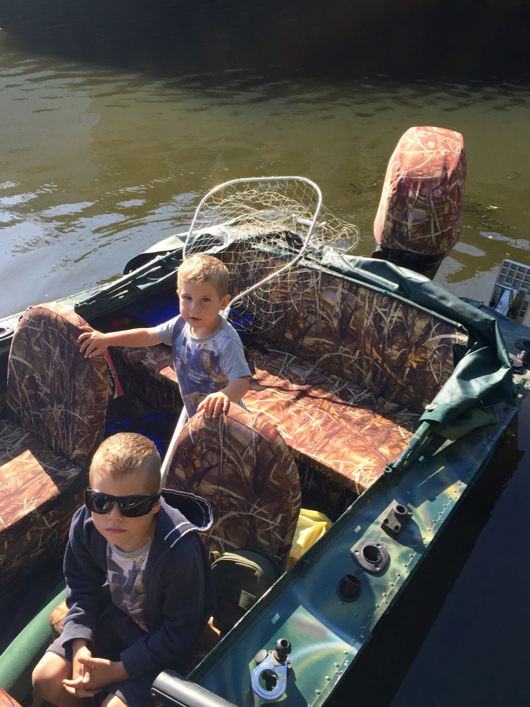 Двое в лодке