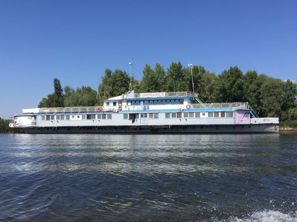 Наш корабль-отель